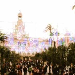 Carnaval in Cadiz: The Pros and Cons of GroupTravel